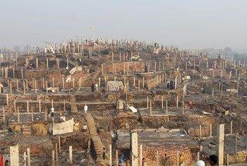 Лагерь беженцев в Кокс-Базаре после пожара