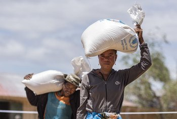 马达加斯加南部因干旱与饥饿而流离失所的百姓。