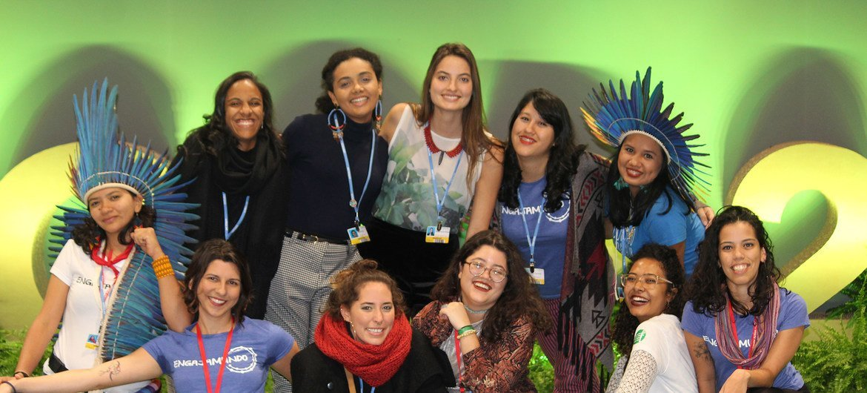 Paloma Costa com outros jovens participantes da COP-25 em Madri, na Espanha