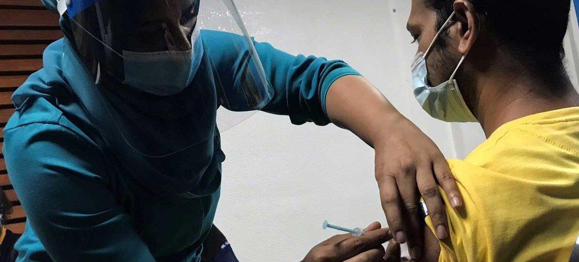 马尔代夫于今年四月启动了全国范围的新冠疫苗免疫接种工作。