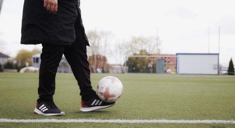 Футболисты напомнят болельщикам о необходимости заботитья о здоровье и обращаться за помощью к врачам.