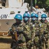 حفظة سلام يجرون دورية في باكوما في جمهورية أفريقيا الوسطى.