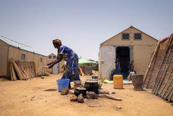 约有1万1千名难民生活在布基纳法索的古杜波(Goudoubo)难民营。