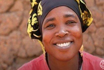 Adiara Sanogo, miongoni mwa wanufaika wa mradi wa PRAPS unaofadhiliwa na Benki ya Dunia kwenye ukanda wa Sahel. Adiara yeye ni mfugaji kutoka Mali.