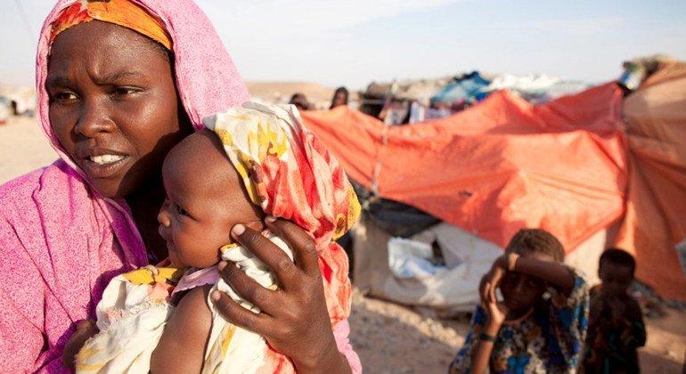 Участившиеся случаи засухи, наводнений и других природных катастроф заставили более 30 миллионов по всему миру покинуть свои дома.