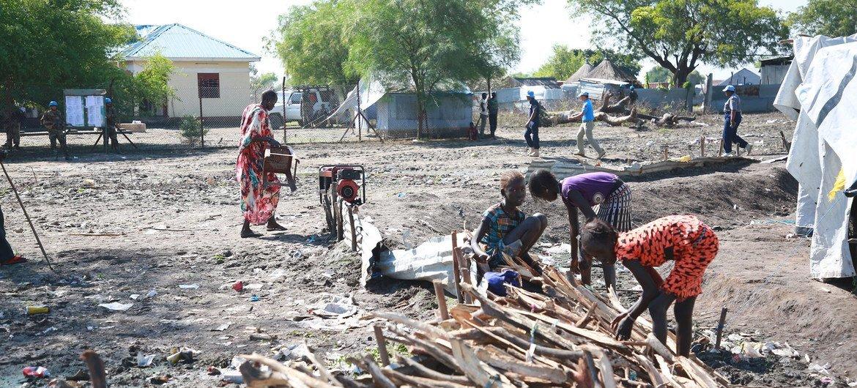 Viele Menschen im Südsudan leben nach Jahren der Unterentwicklung, Korruption und Konflikte in Armut.