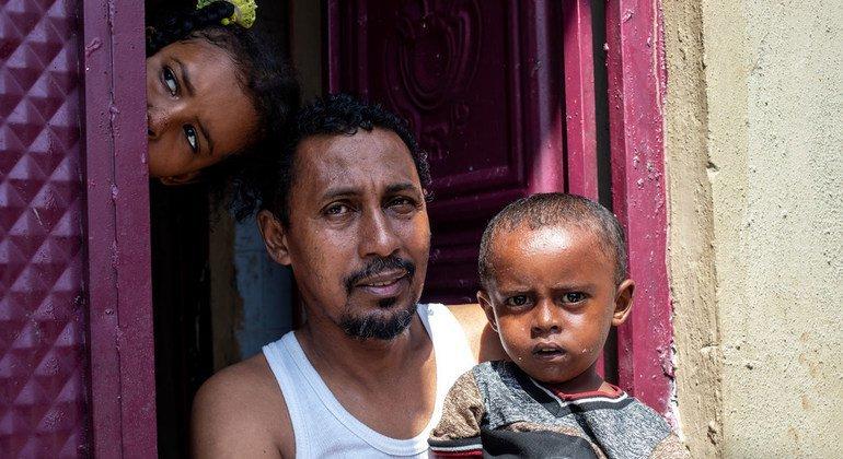 Familia ya kisomali kwenye mji mkuu wa Somalia, Mogadishu
