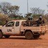 El personal de mantenimiento de la paz de las Naciones Unidas patrulla la ciudad de Bambari en la República Centroafricana. (Foto de archivo).
