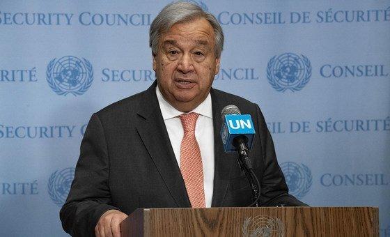 O chefe das Nações Unidas ofereceu suas condolências à esposa, à família, ao governo e ao povo francês.