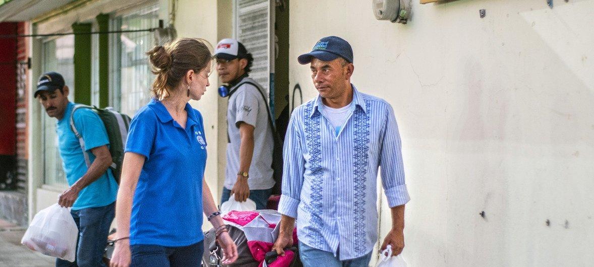 La Organización Internacional para las Migraciones apoya los retornos voluntarios de familias centroamericanas desde México.
