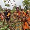 Nyuso za furaha kutoka kwa wanakikundi cha Ushindi mkoani Kigoma baada ya mavuno bora kufuatia mafunzo ya mbinu bora za kilimo kutoka FAO ambazo walitumia kwenye shamba darasa.