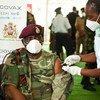 Comandante sênior das Forças de Defesa do Malaui é vacinado contra Covid-19