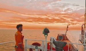 Les marins sont confrontés à des conditions de travail difficiles et à des incertitudes durant la pandémie COVID-19.