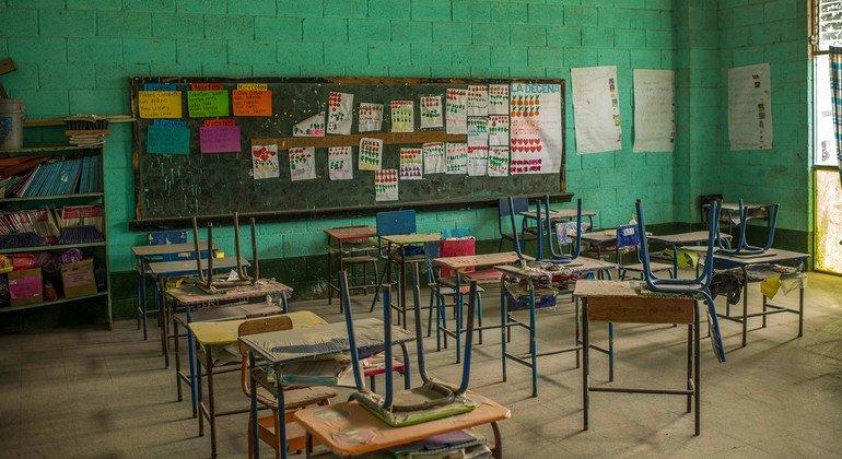 Unicef lamenta que milhões de menores percam a oportunidade de entrar numa sala de aula durante este ano letivo