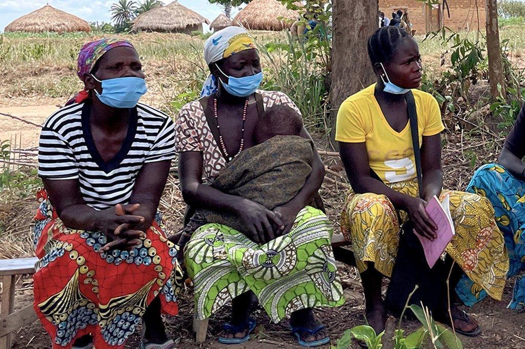 Wanawake wanakabiriwa na changamoto kuwaepusha watoto wao na ugonjwa wa Bubonic katika maeneo ya Ituri, DRC.