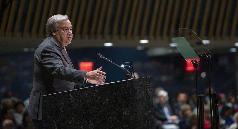В центре нашей работы должны быть люди - Генеральный секретарь ООН Антониу Гутерриш представил мировым лидерам отчет о работе Организации и предупредил о растущих угрозах