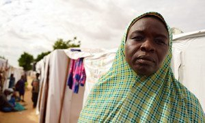 Une femme dans un camp de personnes déplacées à Maiduguri, dans l'Etat de Borno, au Nigéria.