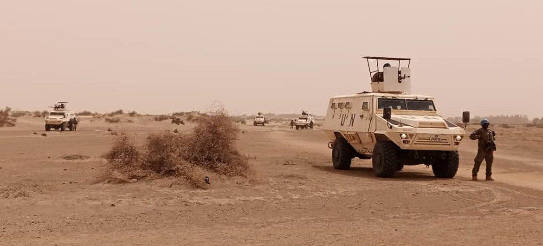 Des casques bleus du contingent ivoirien de la MINUSMA en patrouille dans la région de Tombouctou au Mali