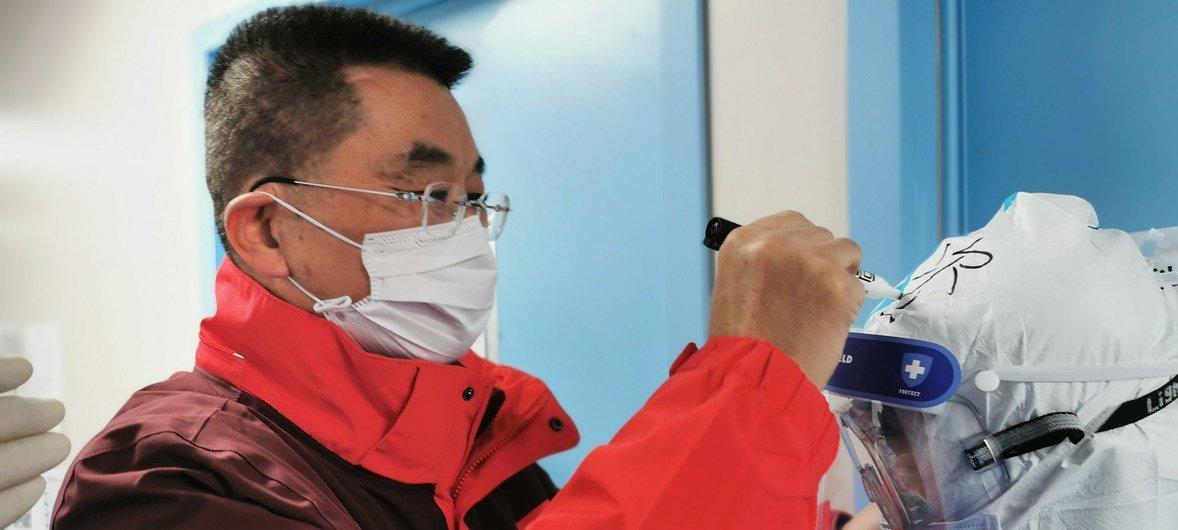 Лю Сян, китайский врач, работавший в городе Хуанши, провинция Хубей, во время эпидемии COVID-19