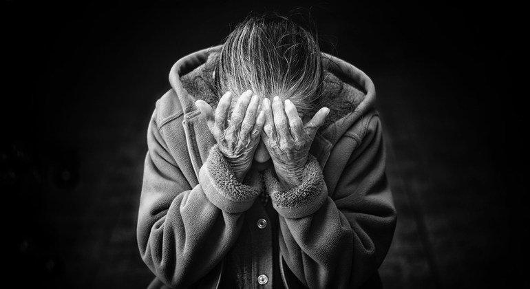 Los refugiados de más edad en América Latina sufren discriminación y abuso.