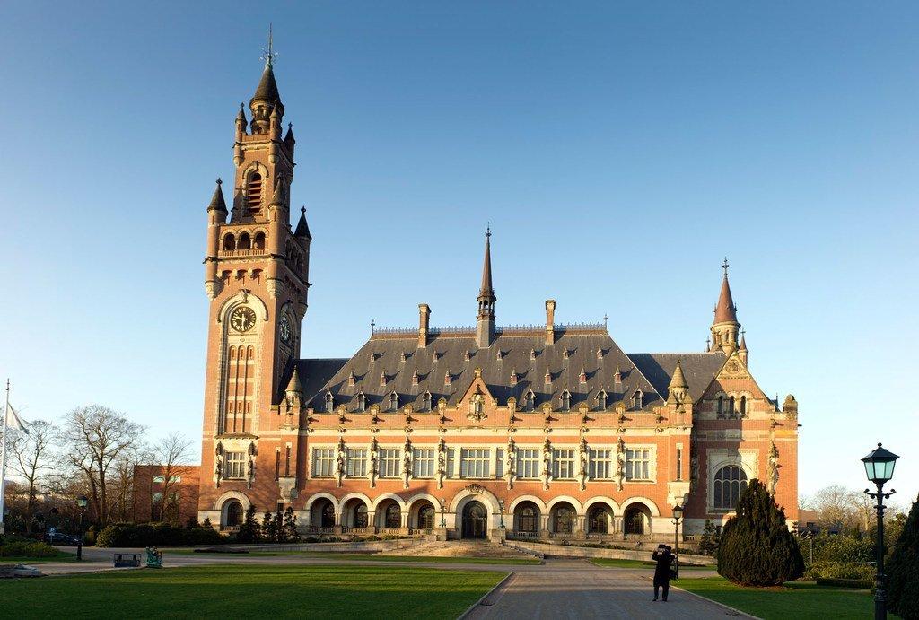 荷兰海牙和平宫的外部景观,自1946年以来,和平宫一直是国际法院的所在地。