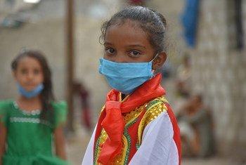 جبرا، 7 أعوام، تعيش في صنعاء باليمن. تتعلم جبرا الطريقة الصحيحة لغسل اليدين لمنع انتشار فيروس كورونا.