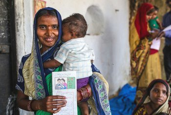 संयुक्त राष्ट्र, भारत जैसे देशों में गर्भावस्था और प्रसव सम्बन्धी जटिलताओं को दूर करने के लिए विश्व स्तर पर एक महीने में औसतन 20 लाख से अधिक महिलाओं की मदद करता है.