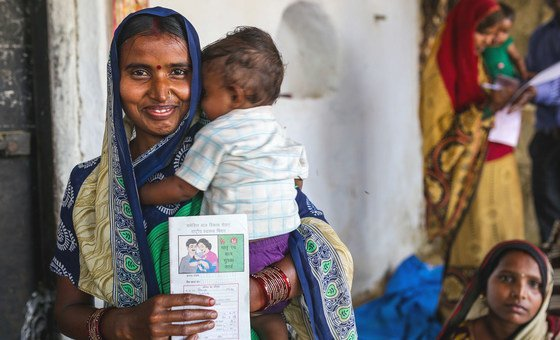 A vaccine logistics system which monitors vaccine stock and temperatures in real time has helped India lower the number of babies who die before their fifth birthday.