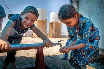 Le HCR a fourni de l'eau potable aux réfugiés syriens dans le camp de Badarash en Iraq.