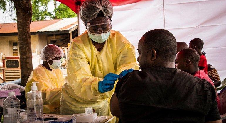 UNICEF y la OMS anuncian la creación de una reserva mundial de vacunas contra el Ébola