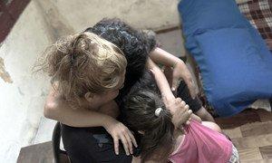 Тысячи пострадавших от взрыва в Бейруте нуждаются в психологической поддержке.