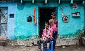 受到新冠疫情影响,印度中央邦的辛格一家收入大幅减少。