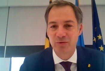 Lors d'un Zoom en marge du 76ème débat de l'Assemblée générale avec ONU Info, le Premier ministre belge Alexandre De Croo explique l'engagement de son pays dans la lutte contre le changement climatique.  La Belgique est le 4ème pays au monde pour la production d'énergie éolienne en mer.