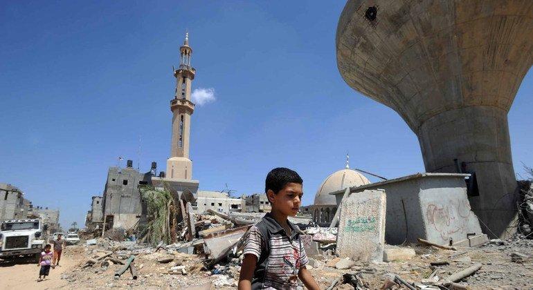 Дома в секторе Газа, разрушенные артиллерийским ударом.