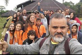 O professor brasileiro Carlos Lima, criador do programa Imprensa Jovem, foi um dos vencedores do prêmio da Unesco.