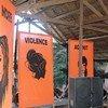 Une scène lors d'un festival de la jeunesse dans les îles Salomon, qui envoie un message fort : « Plus de violence contre les femmes et les filles ».