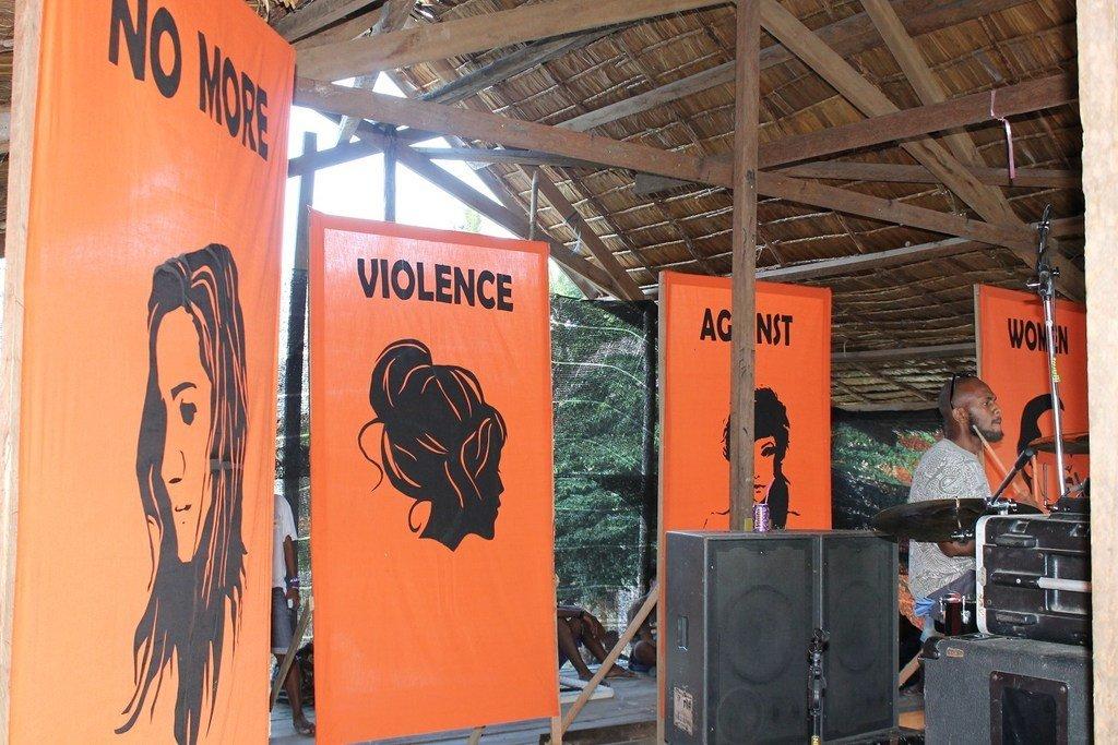 مهرجان شبابي في جزر سليمان يرسل رسالة قوية لوقف العنف ضد النساء والفتيات.