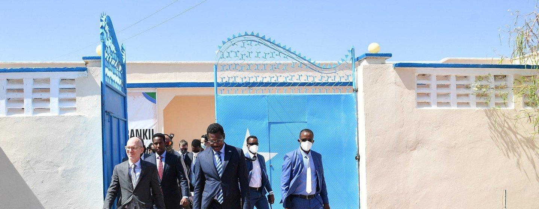 Mwakilishi maalum wa Katibu Mkuu wa Umoja wa Mataifa nchini Somalia, UNSOM, Bwana James Swan, ametembelea jimbo la Galmudug.
