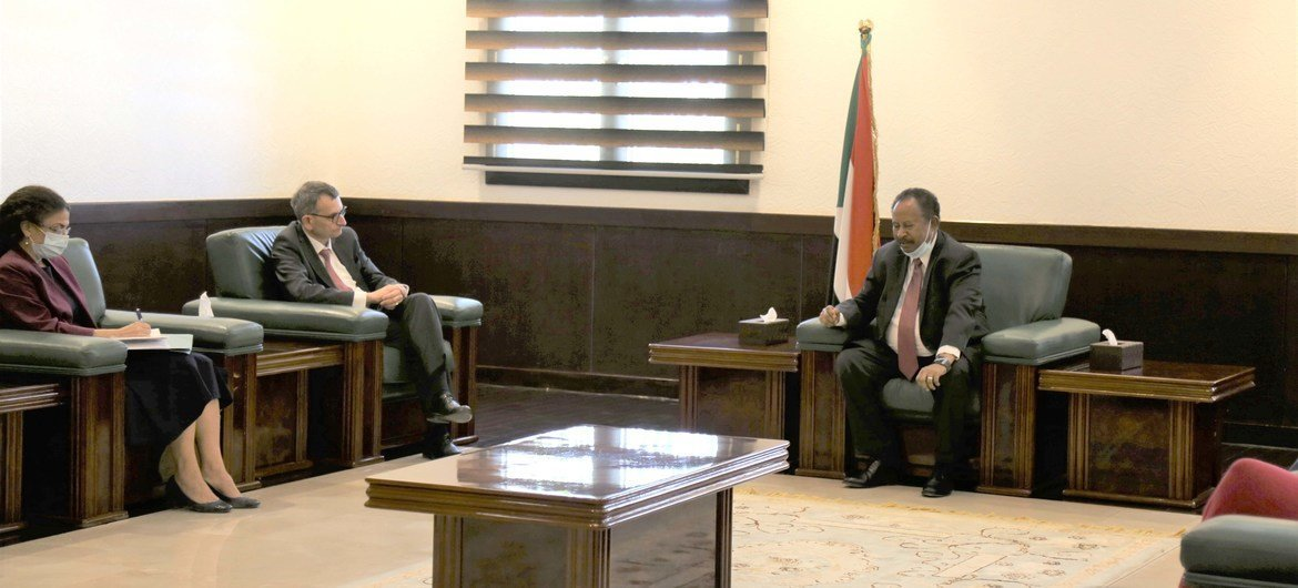 Special Representative Perthes and Prime Minister Hamdok had their first meeting on 14 February.