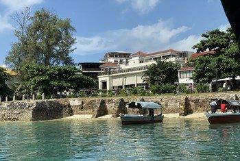 В ООН призывают страны снять запрет на туризм, как только это будет возможно и безопасно.