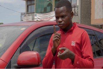 Mtoto Steve Okito mwenye umri wa miaka 14, ni kiziwi na anatoa ushuhuda jinsi janga la Corona lilivyoathiri masomo yake na familia yake.