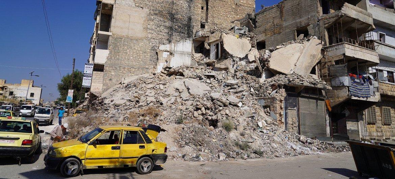 The struggle  successful  Syria has caused wide    demolition  successful  Aleppo, Syria.