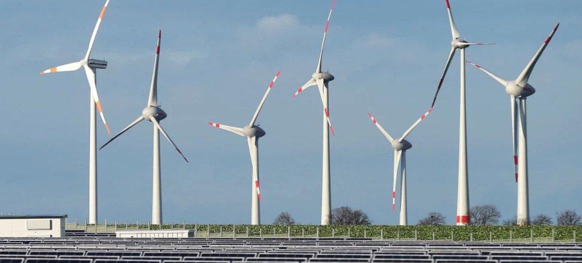 El mundo precisa un mayor compromiso de cambiar a las fuentes limpias de energía.