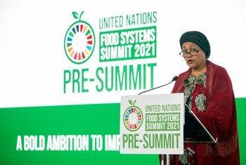 Amina Mohammed, vice-chefe da ONU, fala na Pré-Cúpula da Conferência da ONU sobre Sistemas Alimentares