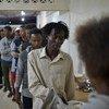 Kundi la kwanza la wakimbizi lilipotua nchini Rwanda. Kundi lingine kutoka Ethiopia limepokelewa katika kituo cha muda