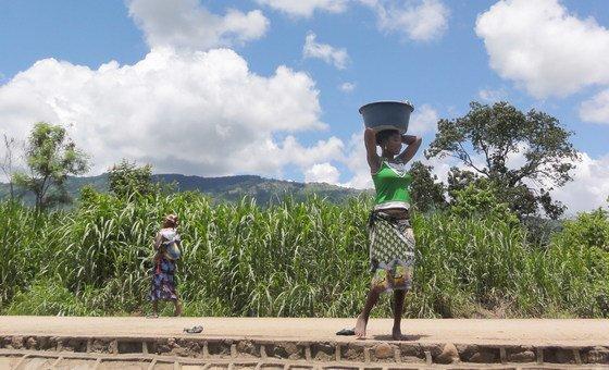 Comissão da ONU estima que cerca de 49 a 161 milhões de pessoas caiam em pobreza extrema