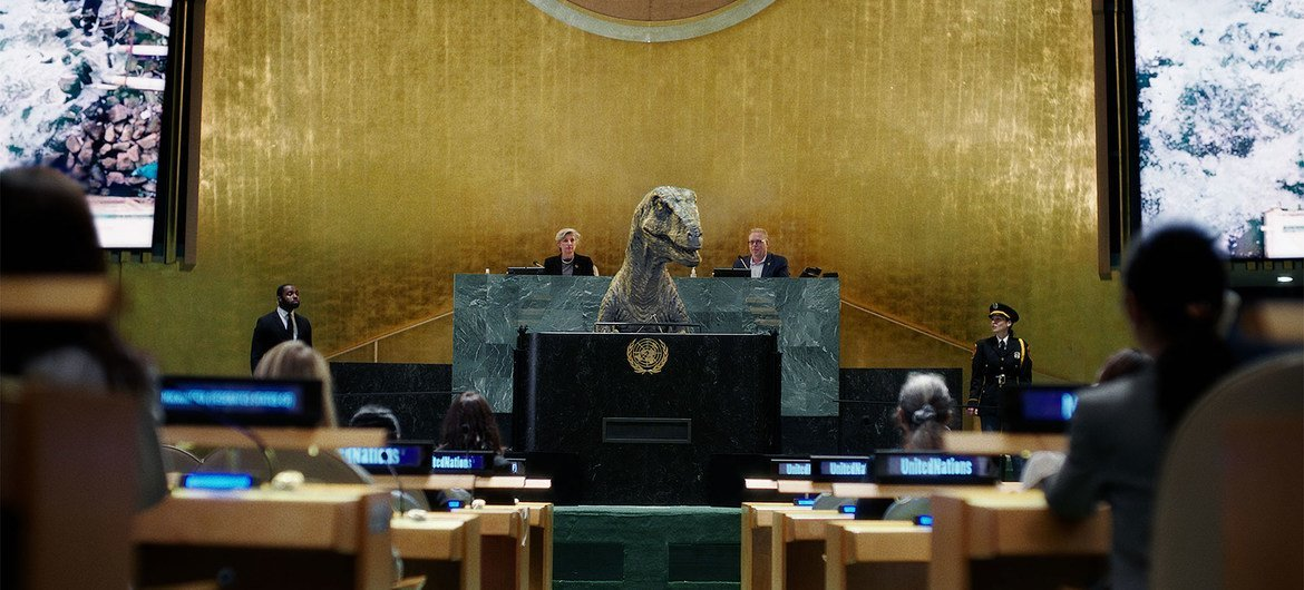 In a UNDP short film, Frankie the dinosaur urges world leaders not to choose extinction.
