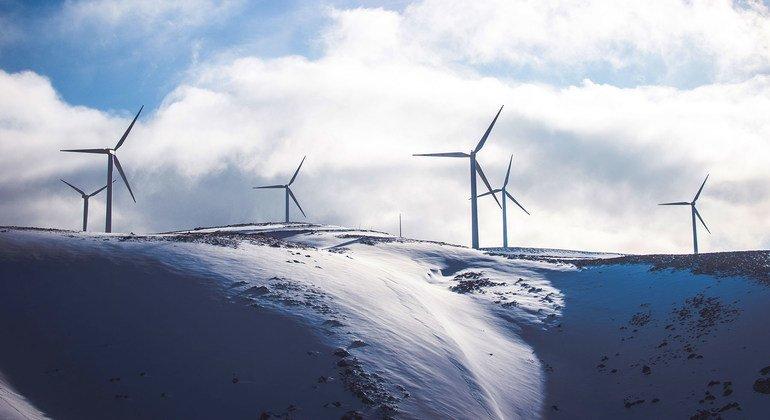 Los molinos de viento funcionan todo el año en las zonas septentrionales con características especiales diseñadas para el clima invernal.