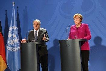 Em Berlim, António Guterres teve um encontro com a chanceler federal da Alemanha, Angela Merkel.