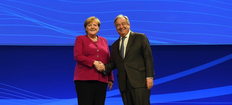 2019年11月26日,在柏林举行的互联网治理论坛上,联合国秘书长古特雷斯与德国总理安格拉·默克尔进行了会谈。